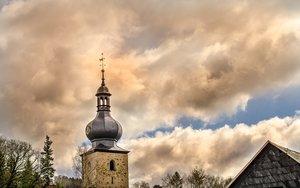 Die Katholische Kirche in der Region Hannover stellt sich für die Zukunft mit dem Personalplan 2025 neu auf. © pixelio/ Peter Hill