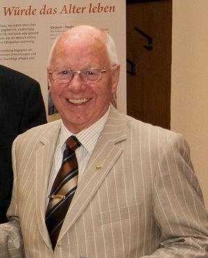 Johannes Müllmann, Geschäftsführer des Caritasverbandes Hannover e. V. von 1984 – 1999,  † 17.05.2015