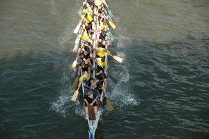 Auf die Plätze, fertig, los! Bei Drachenbootrennen geht es zur Sache. © pixelio/ Klaus- Uwe Gerhardt